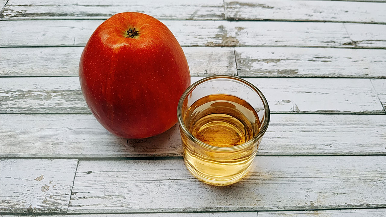 chupito de vinagre de manzana